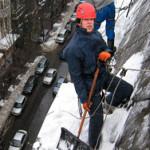 Высотные работы по уборке снега в Харькове