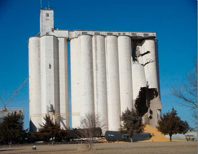 oakley-grain-elevator-collapse