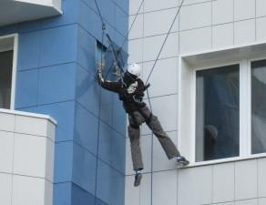 Монтаж вентилируемых фасадов промышленными альпинистами