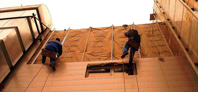 Монтаж фасада промышленными альпинистами в Харькове
